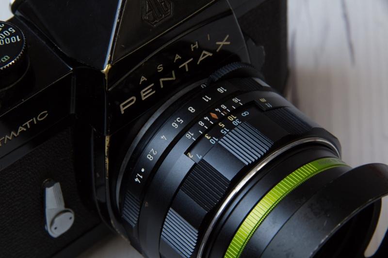 昔のカメラはf値(絞り値)をダイヤル操作で変えていた
